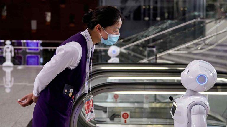 Dưới áp lực đàn áp từ chính phủ Trung Quốc, Baidu và Tencent đã nêu bật những đóng góp trong nước