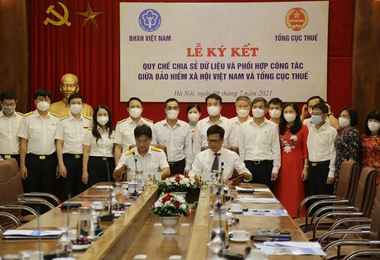 Bảo hiểm xã hội Việt Nam và Tổng cục Thuế ký Quy chế chia sẻ dữ liệu và phối hợp công tác giữa hai ngành