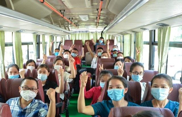 Nghệ An cử Đoàn công tác gồm 60 y bác sĩ tình nguyện lên đường tăng viện cho TP. HCM phòng, chống dịch Covid-19