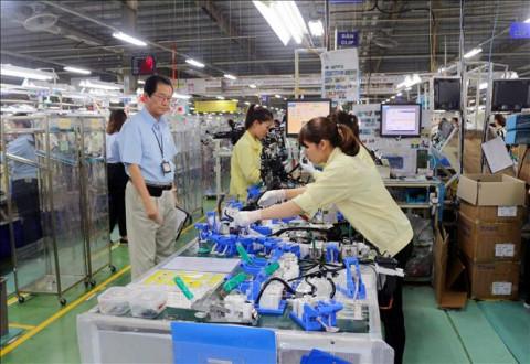 Một số giải pháp tháo gỡ khó khăn cho thị trường lao động