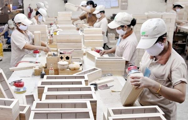 Việt Nam được đánh giá là đã tận dụng tốt được cơ hội xuất khẩu so với các nhà xuất khẩu gỗ nhiệt đới khác như Indonesia, Malaysia hay một số nhà xuất khẩu khác