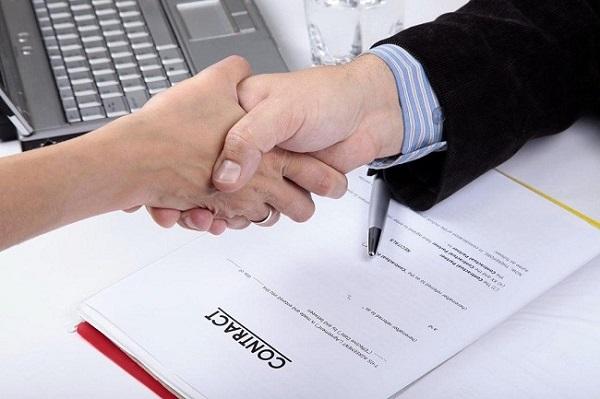 Hợp đồng lao động là sự thỏa thuận giữa người lao động và người sử dụng lao động về việc làm có trả công, tiền lương, điều kiện lao động, quyền và nghĩa vụ của mỗi bên trong quan hệ lao động..