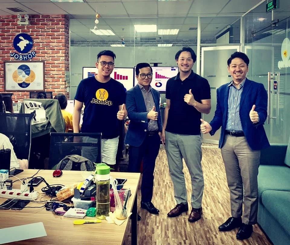 Kevin Tùng Nguyễn và các đối tác của JobHop. Nguồn: Internet