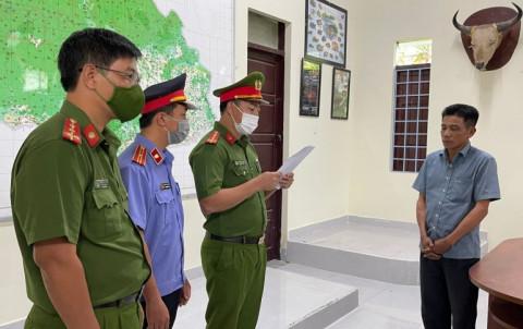 Đắk Lắk: Bắt cán bộ kiểm lâm nhận hối lộ của lâm tặc
