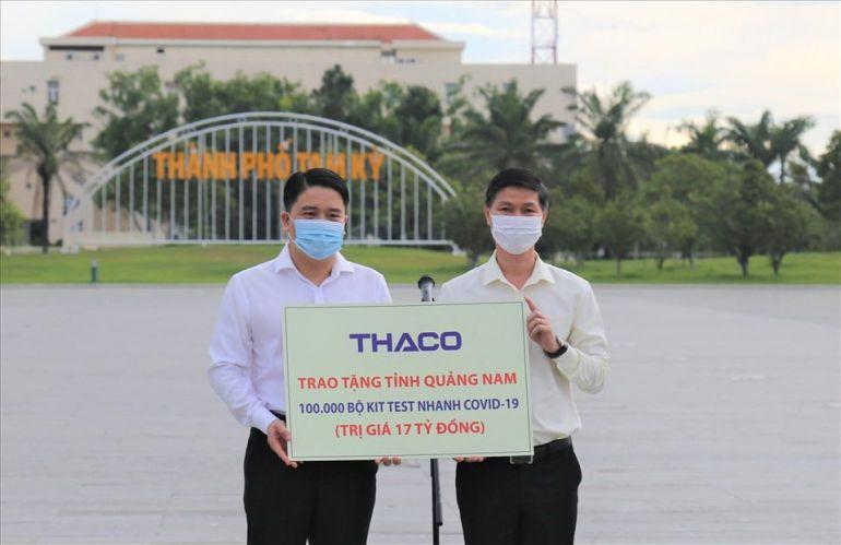 Tập đoàn THACO đã tài trợ cho tỉnh Quảng Nam 100.000 bộ kit test nhanh kháng nguyên SARS-CoV-2 với trị giá 17 tỉ đồng