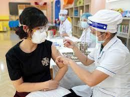 Những ai được ưu tiên tiêm vaccine COVID-19 ở Hà Nội?