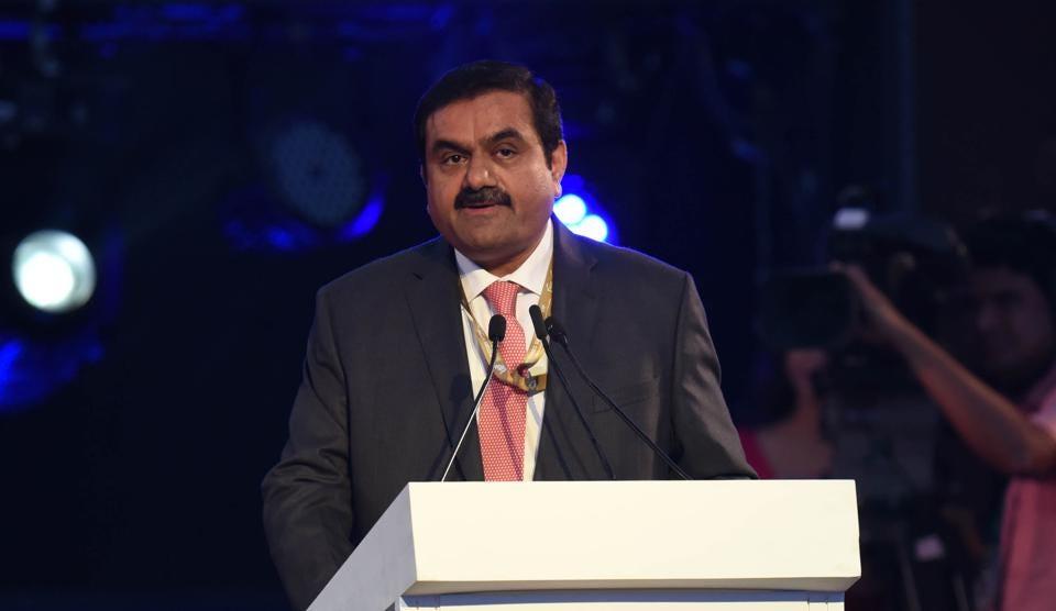 Gautam Adani phát biểu công khai vào ngày 21 tháng 2 năm 2018 tại Lucknow, Ấn Độ (Nguồn: GETTY IMAGES).