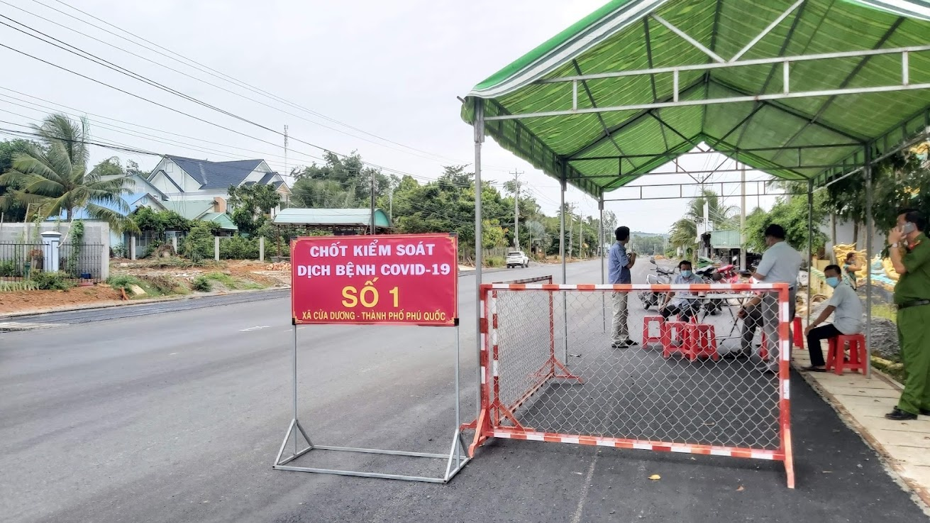 Phú Quốc tăng cường các chốt phòng dịch tại khu vực giáp ranh giữa các xã