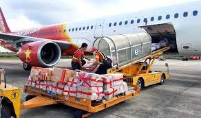 Cuộc đua lập hãng hàng không chuyên chở hàng hóa