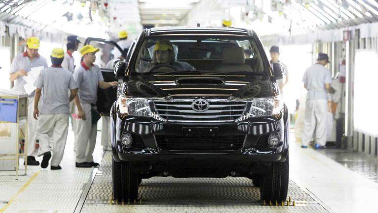 Toyota tạm dừng các nhà máy ở Thái Lan do đợt bùng phát đại dịch COVID-19 xâm nhập vào chuỗi cung ứng