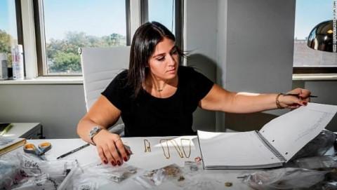 Adina Kamkhatchi: Khởi nghiệp từ 1.000 USD khi còn là sinh viên, gây dựng công ty trang sức trị giá hàng triệu đô