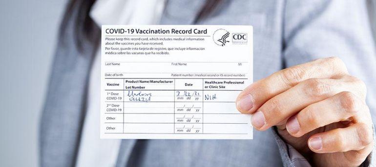 Báo động thị trường làm giả hộ chiếu vaccine Covid-19 gia tăng trên thế giới