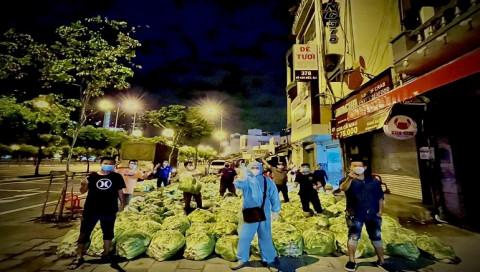 """Hiệp hội Doanh nhân & Đầu tư Việt Nam – Hàn Quốc và nhóm """"Saigon Share"""" trao tặng 113 tấn rau củ quả tươi đến người dân TP.HCM"""