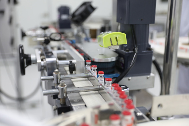 Cận cảnh quy trình sản xuất vắc-xin Covid-19 Sputnik-V tại Việt Nam