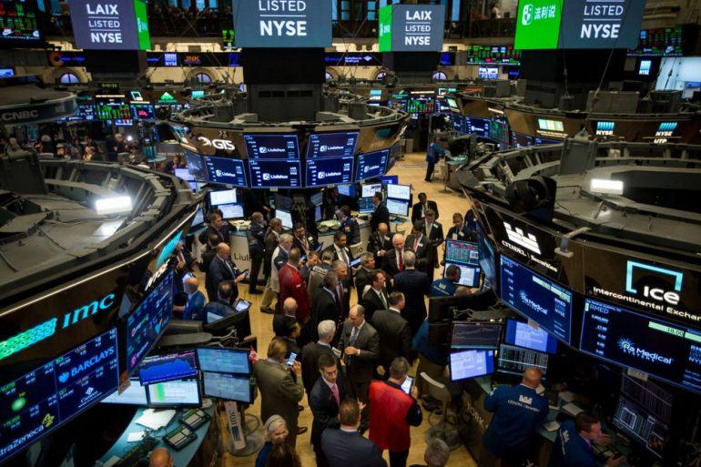 Giới đầu tư toàn cầu ồ ạt rót tiền vào các tài sản tài chính của Mỹ