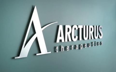 Tập đoàn Vingroup đang xúc tiến chuyển giao công nghệ vắc xin với Công ty Acturus, Hoa Kỳ