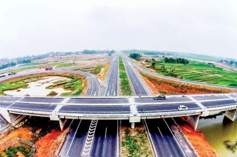 Năm 2025, cơ bản hoàn thành tuyến đường bộ cao tốc Bắc - Nam phía Đông