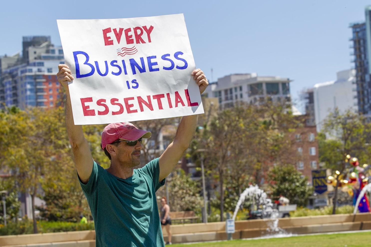 Brian Tinney, một nhà thầu CNTT lo lắng cho tất cả các doanh nghiệp nhỏ của Mỹ bị buộc phải đóng cửa vì dịch Covid-19