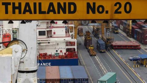 Nhu cầu về chip và ô tô tăng cao thúc đẩy xuất khẩu của các nước ASEAN vượt mức trước Covid-19
