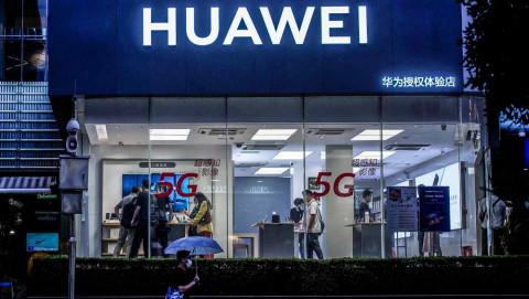 Huawei phát hành dòng điện thoại mới nhất khi ảnh hưởng của cuộc đàn áp từ Mỹ ngày càng sâu sắc