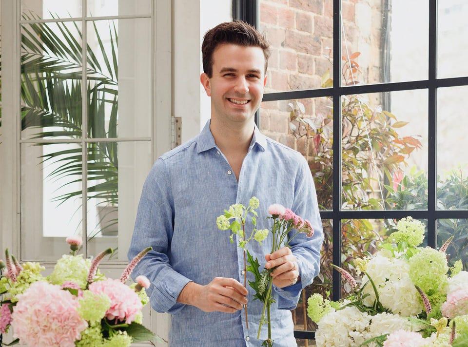 Aron Gelbard, người đồng sáng lập và Giám đốc điều hành của Bloom & Wild, đã mua lại một đối thủ người Pháp để thúc đẩy sự thúc đẩy của họ vào thị trường giao hoa trực tuyến của châu Âu. TOM GRIFFITHS / NỞ VÀ HOANG DÃ