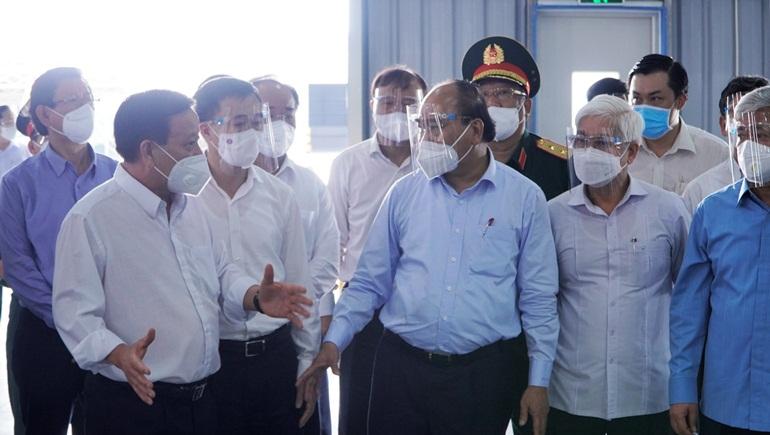 Chủ tịch nước Nguyễn Xuân Phúc làm việc và kiểm tra công tác phòng, chống dịch Covid-19 tại TP. Thuận An (Bình Dương)
