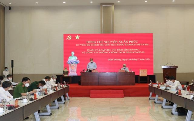 Chủ tịch nước Nguyễn Xuân Phúc phát biểu chủ trì cuộc họp về công tác phòng chống dịch bệnh covid-19.