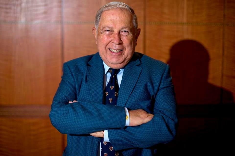 Chủ tịch hãng dược phẩm Ấn Độ Cipla, Yusuf Hamied chụp ảnh chân dung tại London vào ngày 9 tháng 3 năm 2016 (Nguồn: GETTY).
