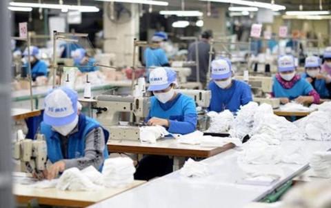 Gần 100 tỷ đồng được huy động vay với lãi suất 0% trả lương cho người lao động