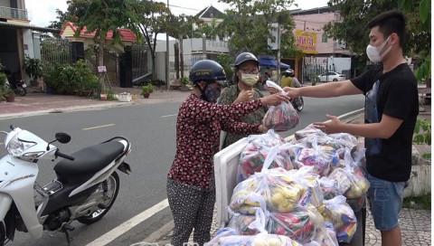 Cà Mau: Hỗ trợ hơn 4.100 hộ nghèo, cận nghèo do ảnh hưởng bởi dịch Covid-19