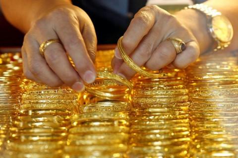 Giá vàng tụt dốc phiên đầu tuần