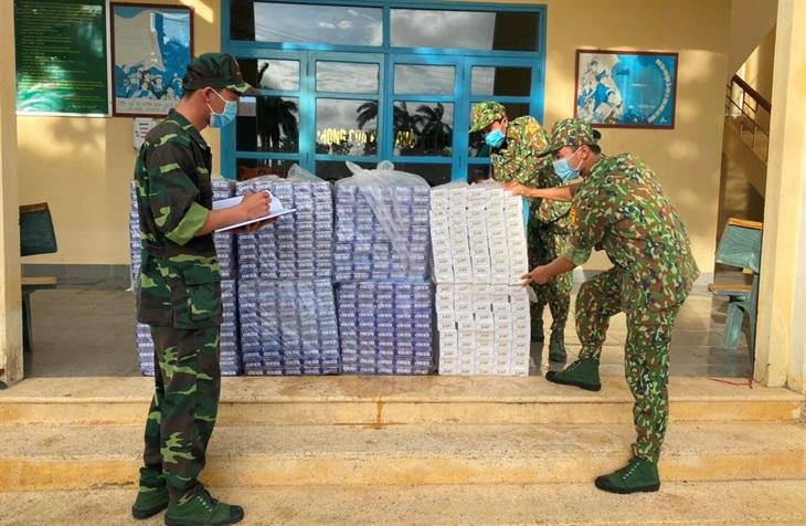 Tang vật thuốc lá lậu bị lực lượng Biên phòng thu giữ (Ảnh: Tiến Vinh)