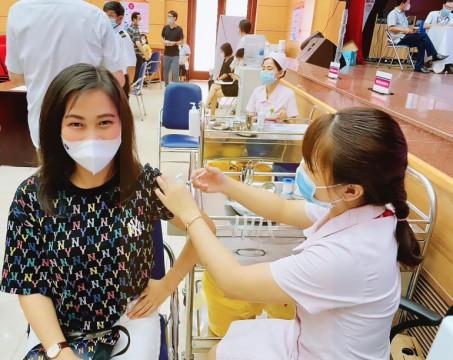 Ngày 3-8 Hà Nội đã hoàn thành hơn 50.000 mũi vắc xin phòng Covid-19