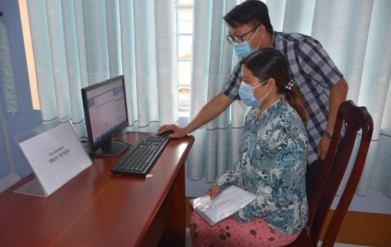 Sử dụng dịch vụ công trực tuyến góp phần phòng, chống dịch COVID-19 hiệu quả