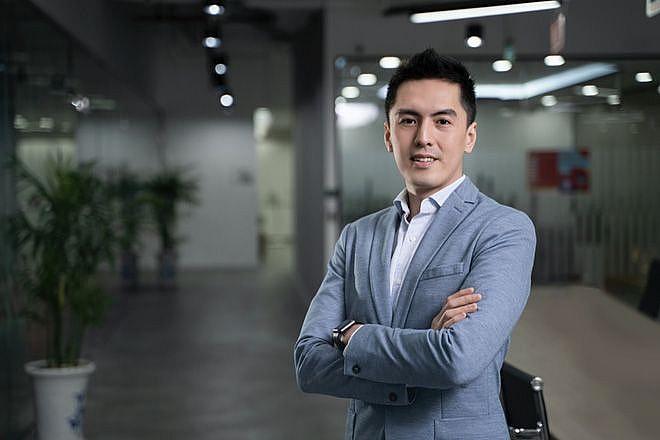 Chân dung CEO Phùng Tuấn Đức. Nguồn: Internet