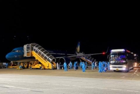 Hội Doanh nghiệp Nghi Lộc tại TP. HCM tài trợ chuyến bay chở 212 công dân Nghệ An từ các tỉnh, thành phía Nam về quê