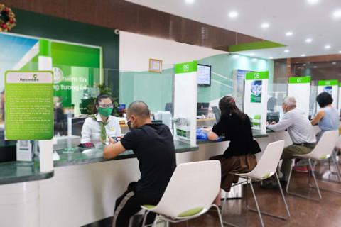 Vietcombank giảm các loại phí dịch vụ hỗ trợ khách hàng trong mùa dịch bệnh Covid-19