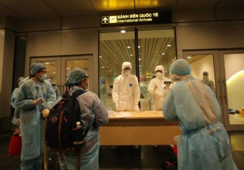 Người nhập cảnh vào Việt Nam chỉ cách ly 7 ngày, nếu tiêm đủ 2 mũi vắc xin