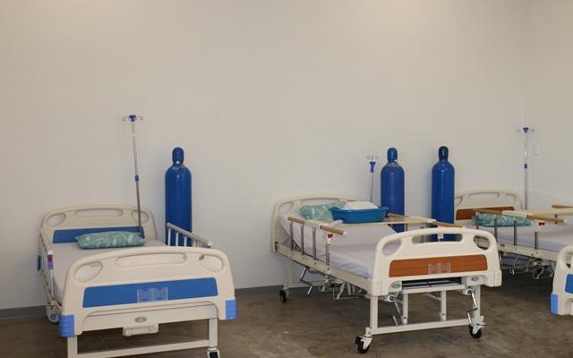 Các giường điều trị bên trong Bệnh viện dã chiến ở Bình Dương