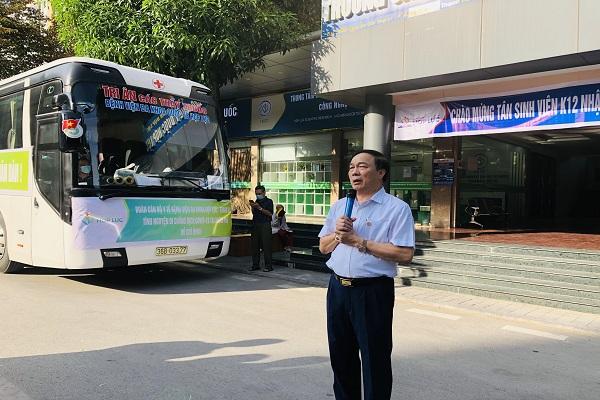 Lời phát biểu động viên và cảm ơn đội ngũ y bác sĩ của ông Nguyễn Văn Đệ, Chủ tịch HĐQT Tổng Công ty CP Hợp Lực