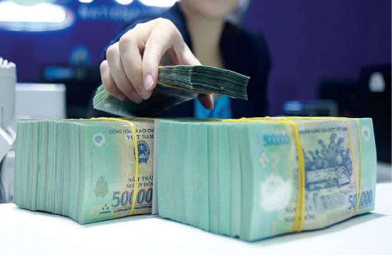 Kinh tế lao đao, ngân hàng vẫn có lãi cao: Hưởng lợi nhờ mặt bằng lãi suất thấp