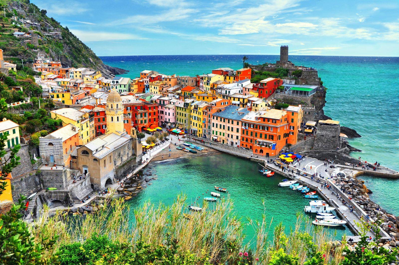 Những thị trấn rực rỡ sắc màu ở Italy