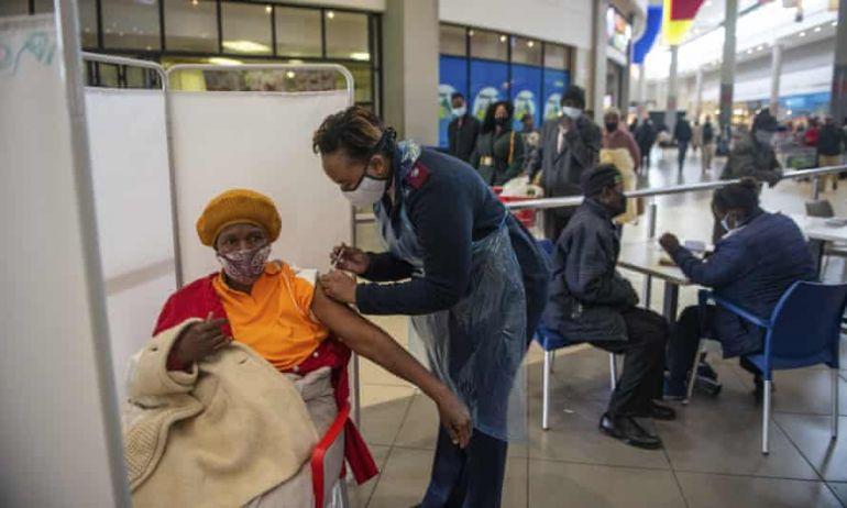 Châu Phi, biểu tượng cho sự thất bại của phương Tây trong lời hứa phân phối vaccine công bằng