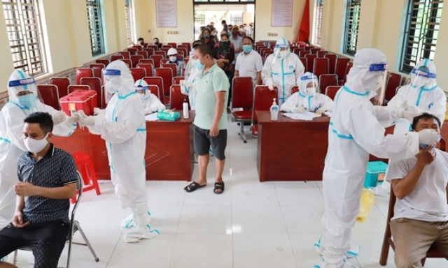 Hà Tĩnh: Phong tỏa Xuân An, dừng hoạt động mua bán hàng không thiết yếu tại các chợ ở Nghi Xuân để phòng, chống Covid-19
