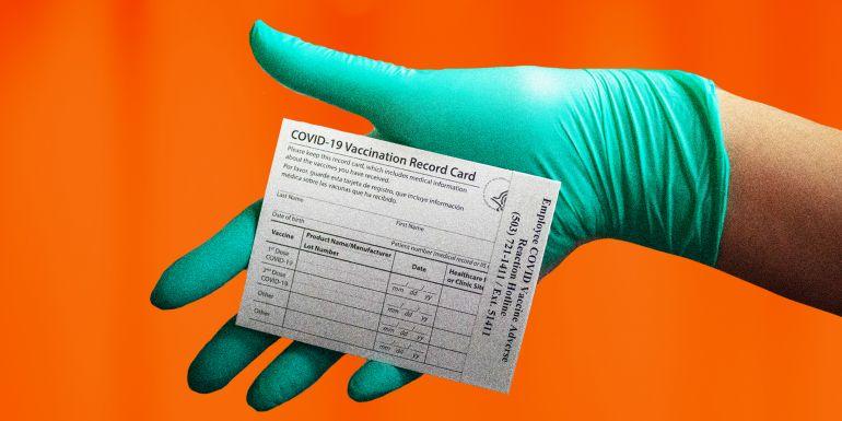 Thị trường chợ đen giấy chứng nhận tiêm vaccine giả đạt đỉnh điểm khi biến thể Delta tiếp tục lan rộng