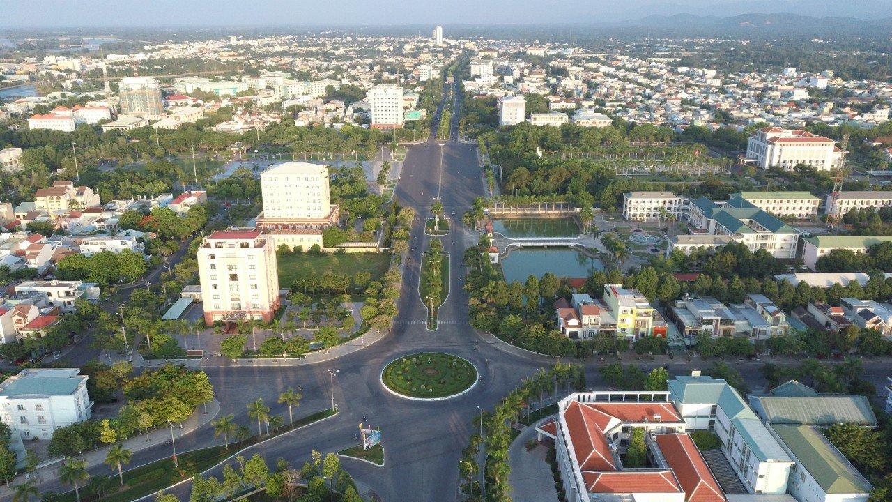 Trước đó CTCP Tập đoàn Mặt trời (Sun Group) đề xuất nghiên cứu đầu tư Khu đô thị và cảnh quan hai bên đường Điện Biên Phủ (đoạn từ sông Kỳ Phú đến quảng trường biển Tam Thanh, TP Tam Kỳ),