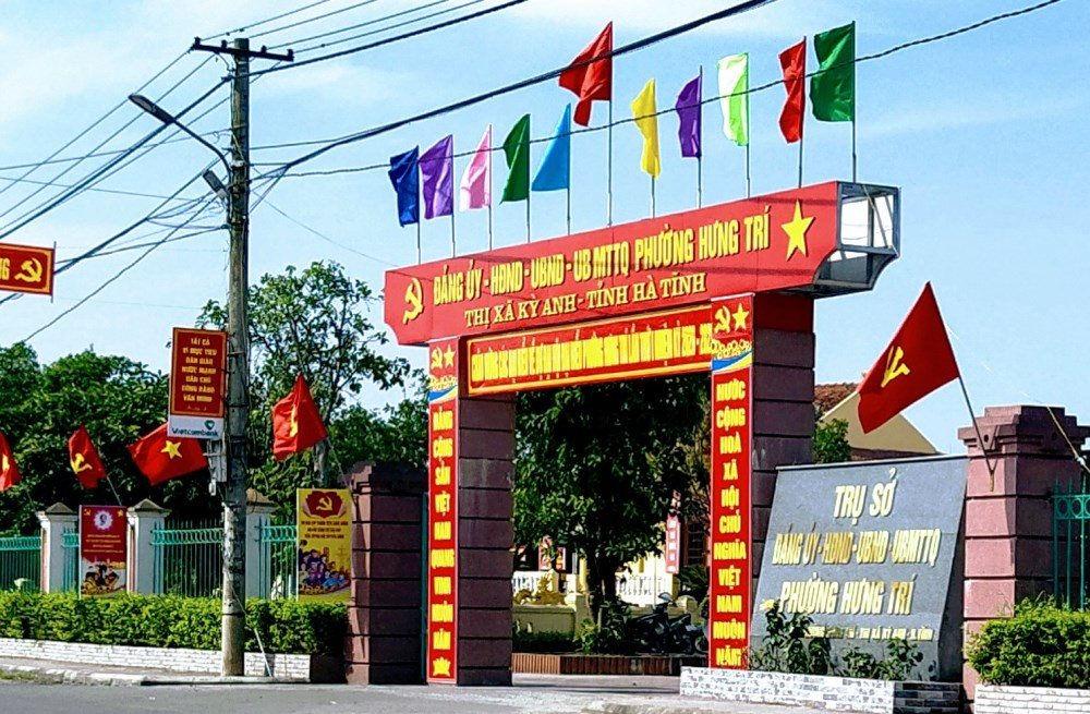 Đình chỉ công tác một lãnh đạo phường tại Hà Tĩnh vì ký giấy xác nhận cho người về từ vùng dịch