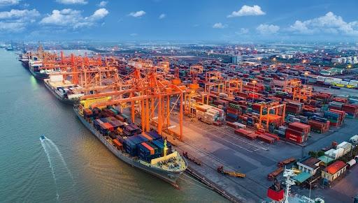 Không còn ùn ứ, quá tải tại các cảng biển phía Nam
