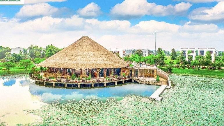 Trung tâm hội nghị Tre Việt – Kỷ lục Nhà tre lớn nhất Việt Nam giữa hồ Tịnh Đế Liên với hàng nghìn loại sen khoe sắc (hàng nghìn hoa sen khoe sắc)
