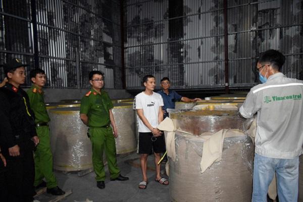 Quảng Ninh: Đề nghị truy tố 16 bị can trong vụ án buôn lậu hàng nghìn tấn quặng sang Trung Quốc